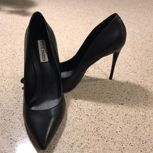 Great Business heels! Worn maybe twice.